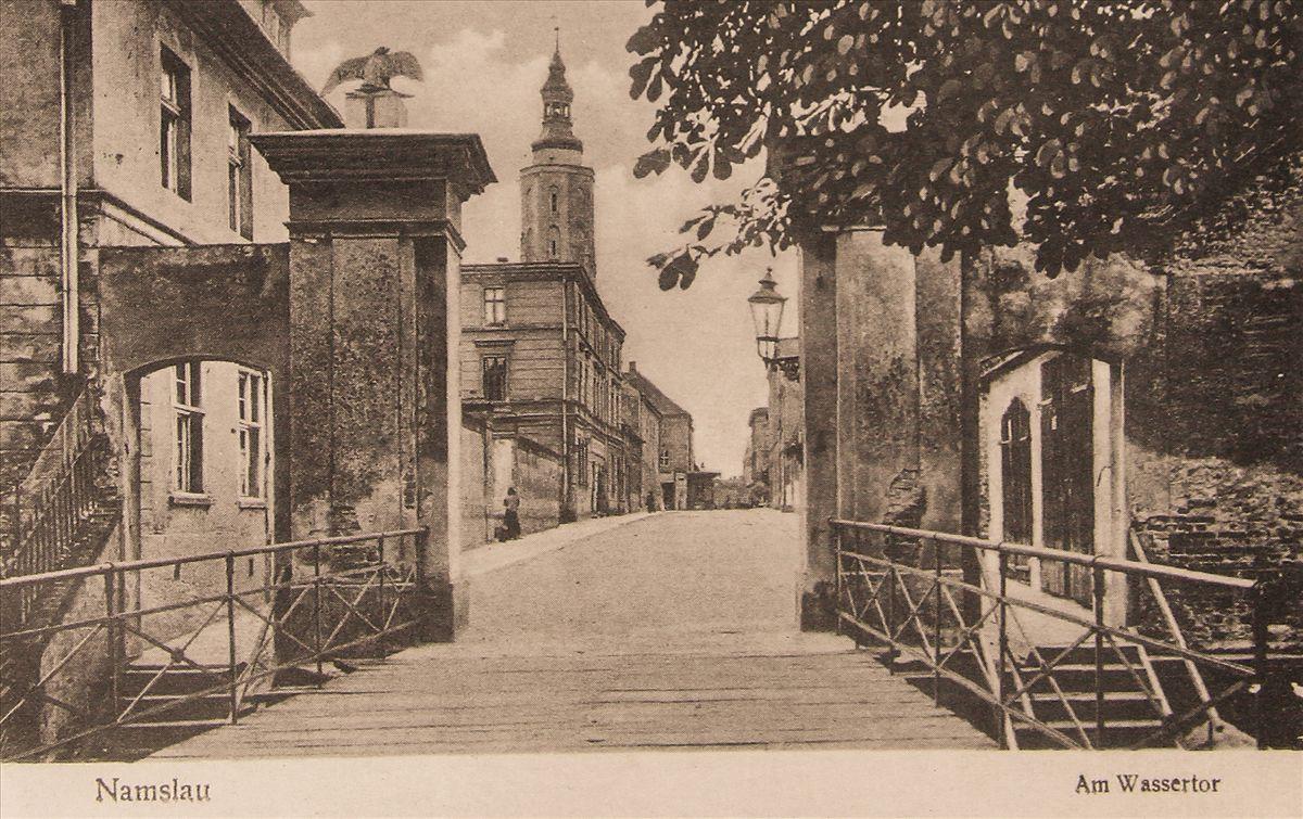 Brama Wodna na starej pocztówce