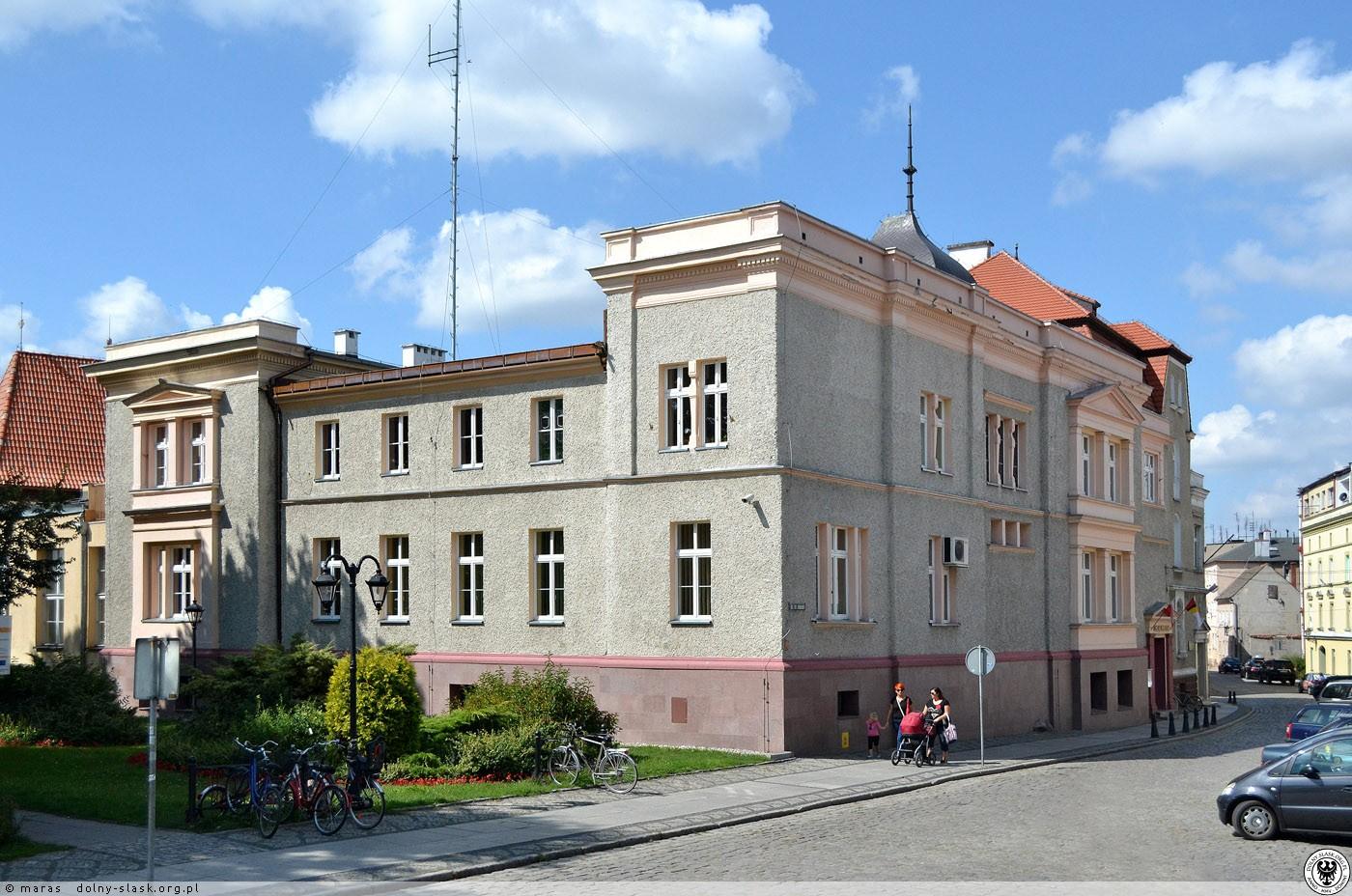 Urząd Miejski w Namysłowie (fot. polska-org.pl)